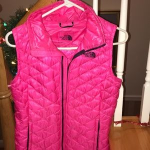 North Face thermoball vest. Hot pink. Small